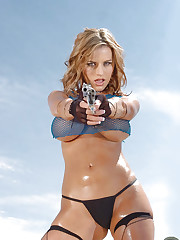 Splendid blonde chick Jenny P and her huge pistol
