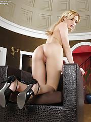 Blonde experiences anal orgasm