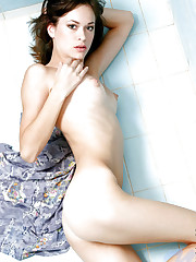 Skinny nubile nansy perk up herself as she flaunts her..
