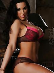 Busty babe, Brianna Jordan, has an intense body with..
