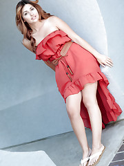 Peek up amateur Natasha Malkova's dress to see her tight..