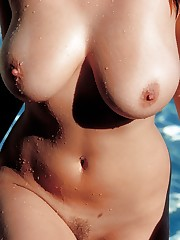 splashes her naturals curves in the pool