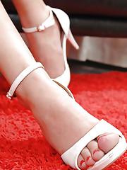 Hot babes having foot fetish sex