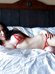 Katie Banks takes it all off laying in bed!