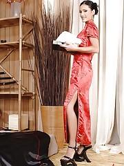 Missy Nicole's oriental hot footjob