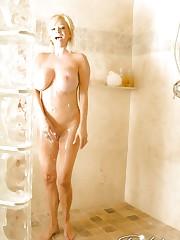 Busty blonde babe, Rachel Aziani, is a sensual dream..